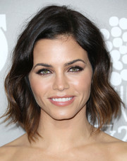 Jenna Dewan-Tatum was sweetly coiffed with this short wavy 'do for the Baby2Baby Gala.