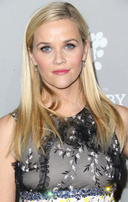 Reese Witherspoon opted for a simple straight style when she attended the Baby2Baby Gala.