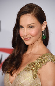 Ashley Judd attended the CFDA Fashion Awards wearing her hair in a wavy side sweep.