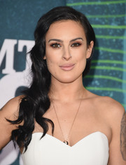 Rumer Willis looked lovely wearing this wavy side sweep at the CMT Music Awards.