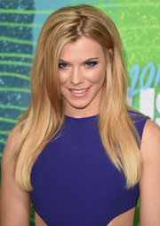 Kimberly Perry went for sleek styling with this long straight cut at the CMT Music Awards.