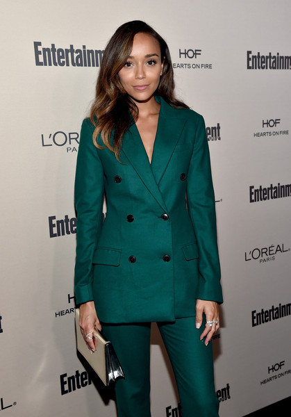 More Pics of Ashley Madekwe Pantsuit (4 of 4) - Suits Lookbook - StyleBistro [red carpet,clothing,suit,pantsuit,outerwear,formal wear,fashion,premiere,blazer,tuxedo,long hair,ashley madekwe,west hollywood,california,fig olive melrose place,party,entertainment weekly,entertainment weekly pre-emmy party]