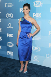 Morena Baccarin was classic and chic in a royal-blue one-shoulder dress by Shoshanna during the Fox Programming Presentation.