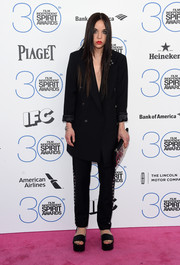 Lorelei Linklater went for a super-edgy menswear-inspired look with this grommeted black pantsuit by McQ Alexander McQueen during the Film Independent Spirit Awards.