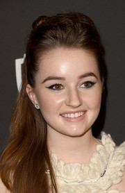 Kaitlyn Dever looked retro with her cat eyes at the 2015 InStyle and Warner Bros. Golden Globes afterparty.