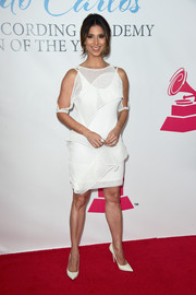 Roselyn Sanchez attended the Latin Grammy Person of the Year event wearing a cold-shoulder LWD rendered in irregular tiers.