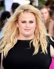 Rebel Wilson rocked windswept waves at the MTV Movie Awards.