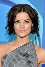 Jaimie Alexander was a cutie at the NBC Upfront Presentation wearing this short wavy cut.