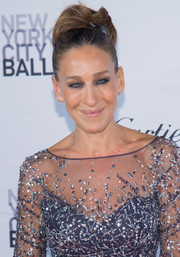 Sarah Jessica Parker styled her tresses into a retro bun for the New York City Ballet Fall Gala.