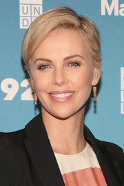 Charlize Theron looked breezy with her short, side-parted 'do at the 2015 Social Good Summit.