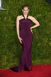 Anna Chlumsky showed off her shape in a slinky plum-colored halter gown by Sophie Theallet at the Tony Awards.