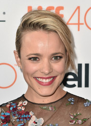 Rachel McAdams attended the TIFF premiere of 'Spotlight' wearing her hair in an edgy French twist.