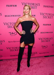 Candice Swanepoel vamped it up in a Mugler strapless LBD with a grommeted neckline during the Victoria's Secret fashion show after-party.
