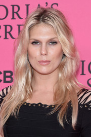 Alexandra Richards looked radiant with her long blonde waves at the Victoria's Secret fashion show.