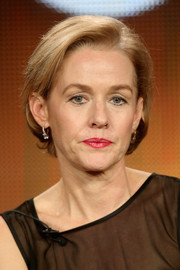 Penelope Ann Miller kept it classic with this short bob at the 2015 Winter TCA Tour.