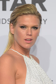 Alexandra Richards wore a punky slicked-back hairstyle with a pompadour top during the amfAR New York Gala.