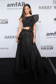 Allie Rizzo brought the crop-top trend to the amfAR New York Gala with this asymmetrical, ruffle-embellished number by Milly.