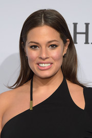 Ashley Graham was casually coiffed with this loose center-parted 'do at the amfAR New York Gala.