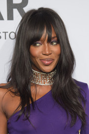 Naomi Campbell styled her hair with barely-there waves and rounded bangs for the amfAR New York Gala.
