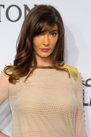 Julia Jackson looked very pretty with her waves and side-swept bangs at the amfAR New York Gala.