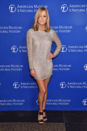 Bronze broad-strap heels sealed off Lara Spencer's look.