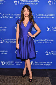Hilaria Baldwin opted for a cleavage-flaunting electric-blue cocktail dress when she attended the 2016 American Museum of Natural History Gala.