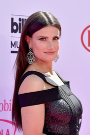 Idina Menzel wore her hair long and sleek-straight at the Billboard Music Awards.
