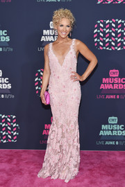 Kimberly Schlapman went the sweet route in an embellished pink mermaid gown by Lorena Sarbu at the 2016 CMT Music Awards.