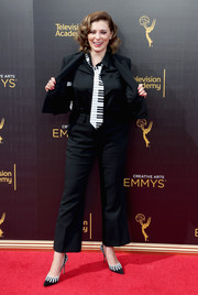 Rachel Bloom got a little playful with this black pantsuit and piano necktie combo at the 2016 Creative Arts Emmy Awards.