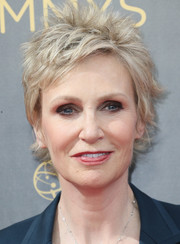 Jane Lynch rocked spiked hair 2016 Creative Arts Emmy Awards.
