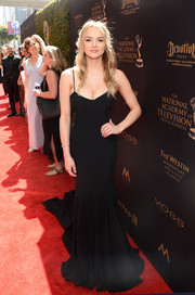 Hunter King made a sultry statement in a cleavage-baring black mermaid gown at the 2016 Daytime Emmy Awards.