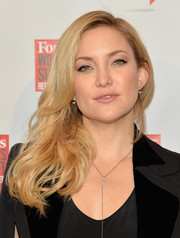 Kate Hudson wore her blonde waves swept to the side when she attended the Forbes Women's Summit.