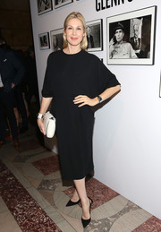 Kelly Rutherford chose a dolman-sleeve LBD for the Free Arts NYC benefit.