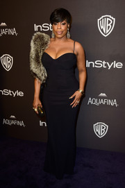 Niecy Nash looked va-va-voom in an asset-flaunting corset gown at the InStyle and Warner Bros. Golden Globes post-party.