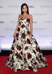 Pia Wurtzbach was picture-perfect in a strapless rose-print ball gown by Sherri Hill at the 2016 Miss Teen USA competition.
