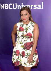 Mindy Kaling paired her floral dress with a gemstone ring for the 2016 NBCUniversal Summer Press Day.
