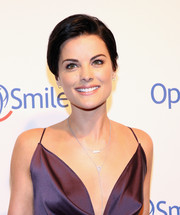 Jaimie Alexander sported a simple side-parted hairstyle at the Operation Smile Gala.