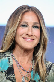 Sarah Jessica Parker stuck to her usual center-parted style when she attended the 2016 Summer TCA Tour.
