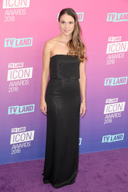 Sutton Foster opted for a classic black strapless gown by Halston for her TV Land Icon Awards look.