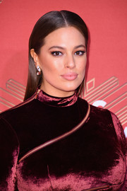 Ashley Graham attended VH1's Divas Holiday: Unsilent Night wearing a simple slicked-down 'do.