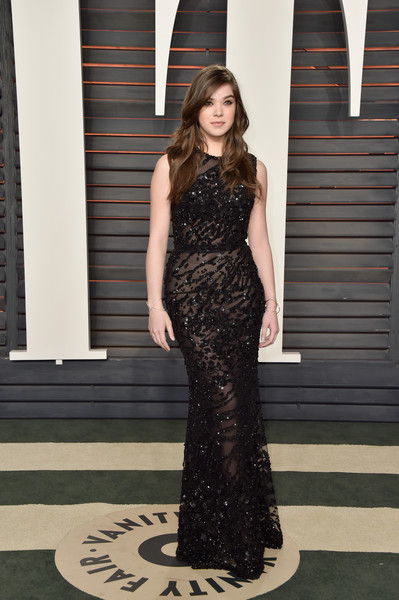 More Pics of Hailee Steinfeld Diamond Bracelet (7 of 12) - Bracelets Lookbook - StyleBistro [hailee steinfeld,graydon carter - arrivals,graydon carter,dress,clothing,fashion model,fashion,gown,shoulder,haute couture,long hair,photo shoot,neck,beverly hills,california,wallis annenberg center for the performing arts,vanity fair,oscar party]