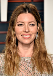 Jessica Biel wore rocker-glam waves to the Vanity Fair Oscar party.