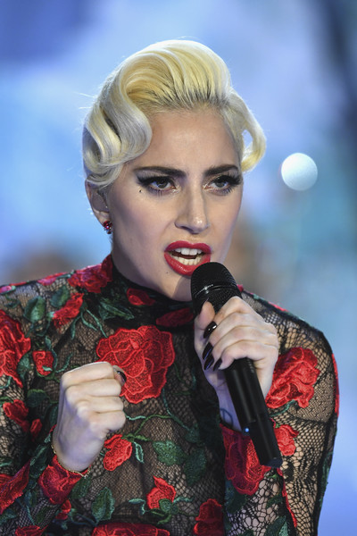 Lady Gaga went for some vintage appeal with this finger-wave updo at the Victoria's Secret fashion show.