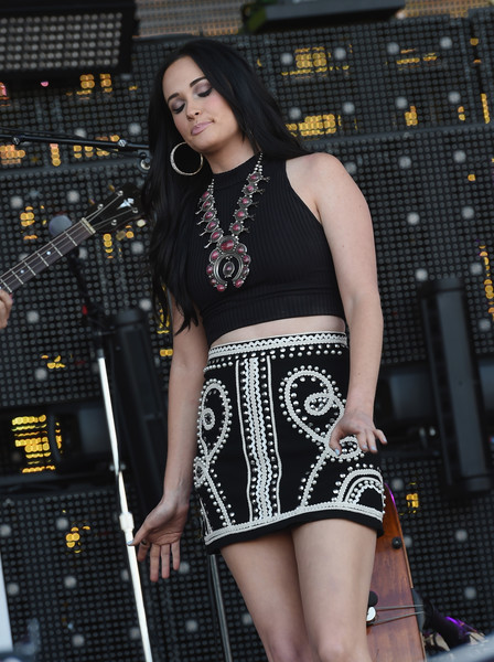 More Pics of Kacey Musgraves Crop Top (9 of 30) - Tops Lookbook - StyleBistro [kacey musgraves,clothing,thigh,leg,fashion,shoulder,human body,dress,performance,waist,neck,windy city lakeshake country music festival,chicago,illinois,firstmerit bank pavilion,northerly island]