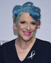 Lisa Lampanelli looked quirky with her blue curls at the 2016 Women of Achievement Awards.
