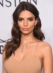 Emily Ratajkowski was gorgeously coiffed with this long wavy 'do at the amfAR New York Gala.