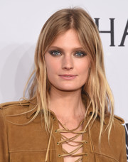 Constance Jablonski attended the amfAR New York Gala sporting a beachy layered cut.