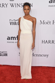 Jasmine Tookes was a classic beauty in a white one-shoulder gown at the amfAR New York Gala.