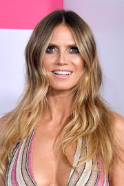 Heidi Klum went boho with this face-framing wavy 'do at the 2017 American Music Awards.