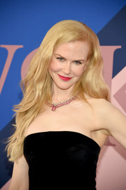 Nicole Kidman looked lovely with her long, lush waves at the 2017 CFDA Fashion Awards.